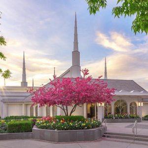boise-temple-spring-blossoms