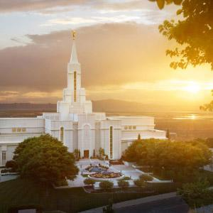 bountiful-temple-sunset-glow