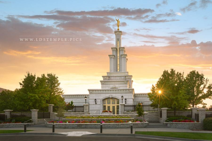 Columbia River Temple – Golden Glow