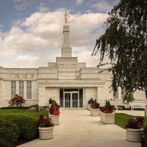columbus-temple-pathway