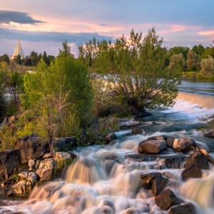 idaho-falls-temple-distant-falls