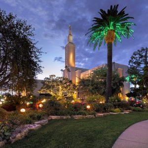 los-angeles-temple-christmas-lights