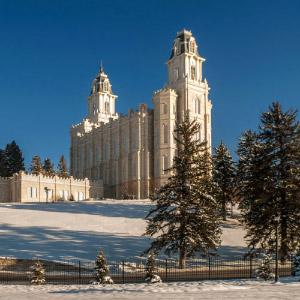 manti-temple-winter-reflection-man0105