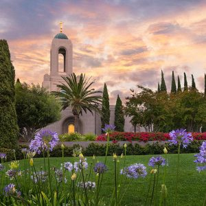 newport-beach-temple-summer-flowers