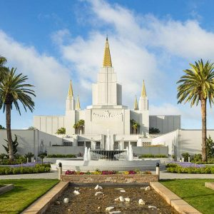 oakland-temple-daytime