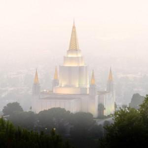 oakland-temple-foggy