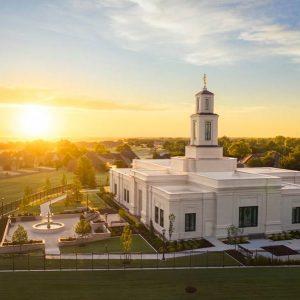 oklahoma-city-temple-golden-sunrise
