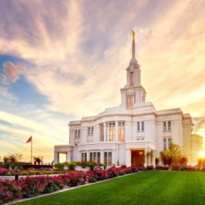 payson-temple-sunset-and-temple-grounds