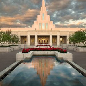 phoenix-temple-reflecting-pool-sunrise