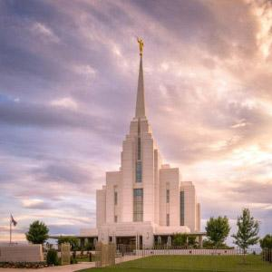 rexburg-idaho-temple-sunset
