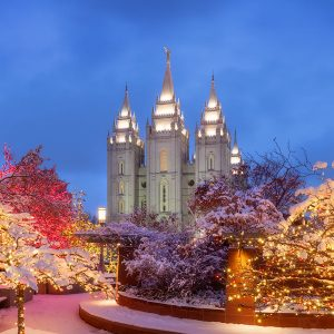 salt-lake-temple-december-lights