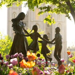 salt-lake-temple-spring-sculpture