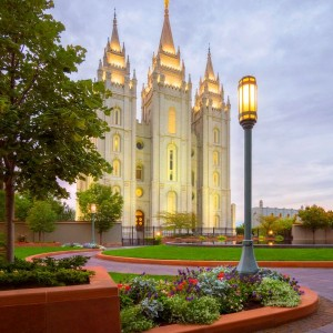 salt-lake-temple-summer-evening