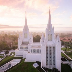 san-diego-temple-morning-fog