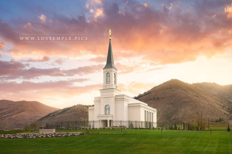 5 Pictures Of The Star Valley Temple You Haven T Seen