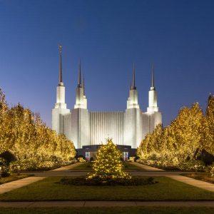 washington-dc-temple-golden-christmas